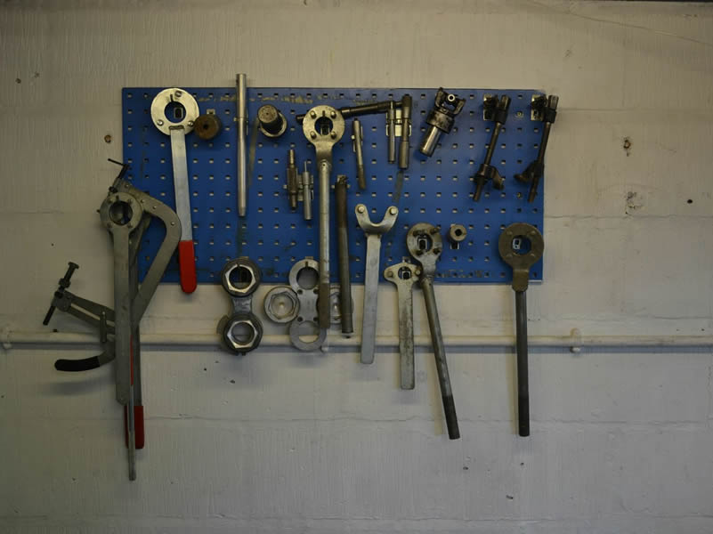 Manufacturer Specific Tools
